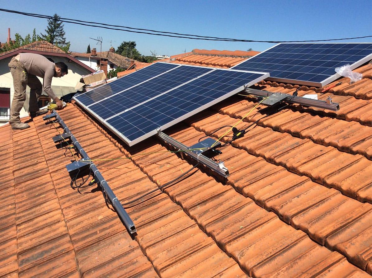Panneaux solaires sur toit par Minoria Concept