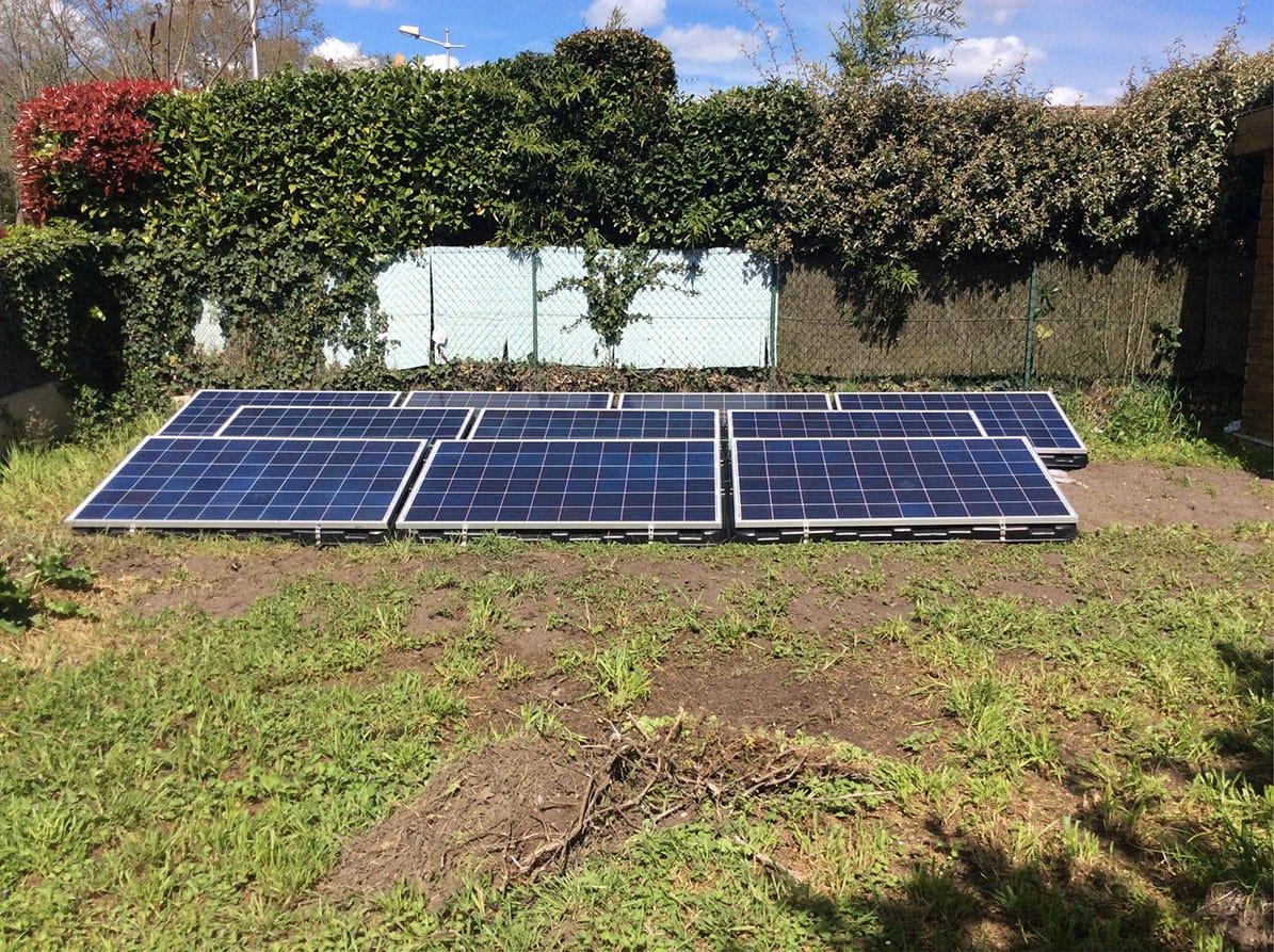 Panneaux solaires au sol par Minoria Concept