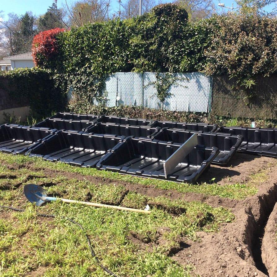 Installation panneaux solaires sol par Minoria Concept